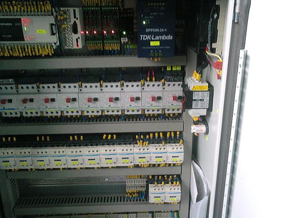 Електро шкаф на специализирана машина